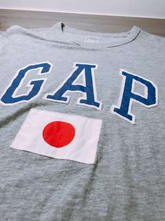 🔥🔥GAP日本國旗短T🔥🔥灰S