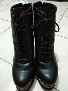 H&M boots ori