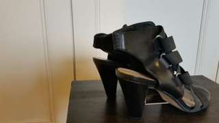 Wittner heels - black and tan