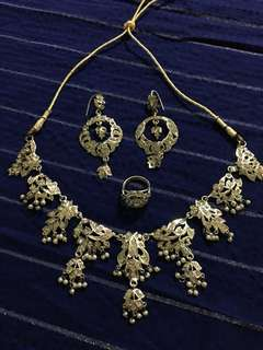 Antique silver jewellery set