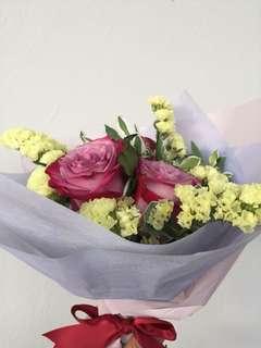 Fresh purple roses bouquet 💐