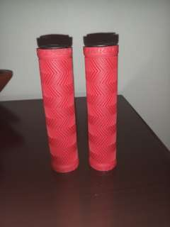 Giant anti-slip handle grips