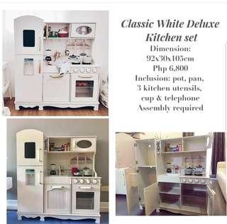 Kitchen play set (grand white kitchen)