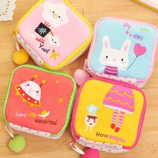 Sanitary napkin/cosmetic pouch