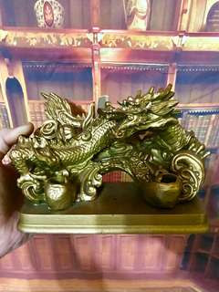 Golden Dragon Stand Holder