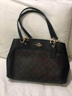 🚚 Coach 黑色《全新》-手提肩背兩用包《母親節禮物首選》美國購入現貨 正品