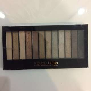 MakeUp Revolution Iconic 2 Palette Eyeshadow