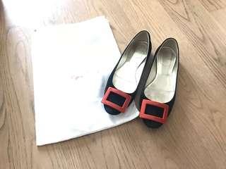 Roger Vivier RV suede buckle flat shoes 平底鞋