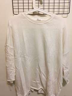 🚚 寬版米白色上衣