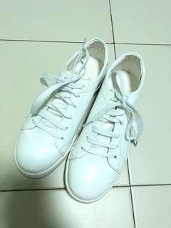 White/Cream Shoe