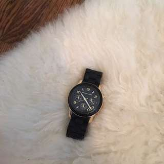 EXCELLENT CONDITION MICHAEL KORS MK WATCH