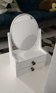 Crabtree and Evelyn mini vanity