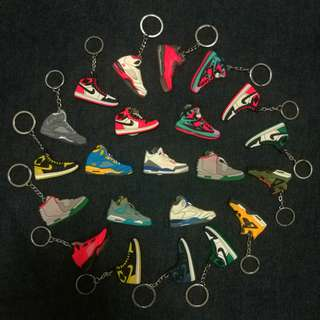 SNEAKERS KEYCHAIN