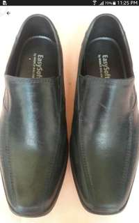 Easysoft school shoe