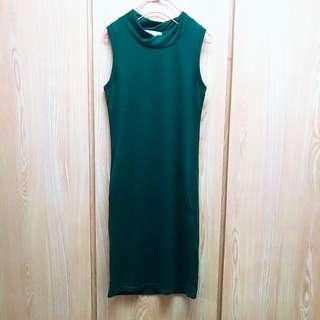 🚚 滾邊墨綠針織背心洋裝