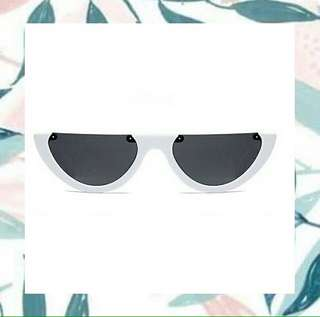 Kacamata UFO