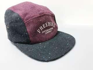 🚚 Freebird 黑色紅色 滑板五分帽