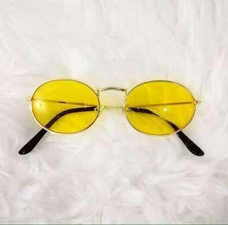 Kacamata GIO