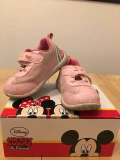 Pink hello kitty shoes