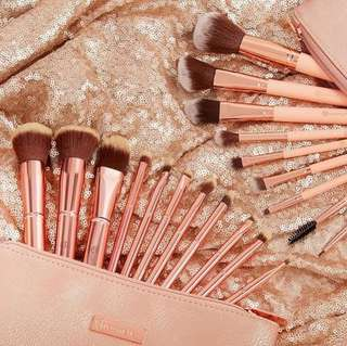 [PO] BH COSMETICS Metal Rose - 11 Piece Brush Set With Cosmetic Bag Preorder Po Spree