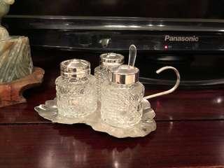 Vintage silver plate queen Anne leaf shaped cruet set