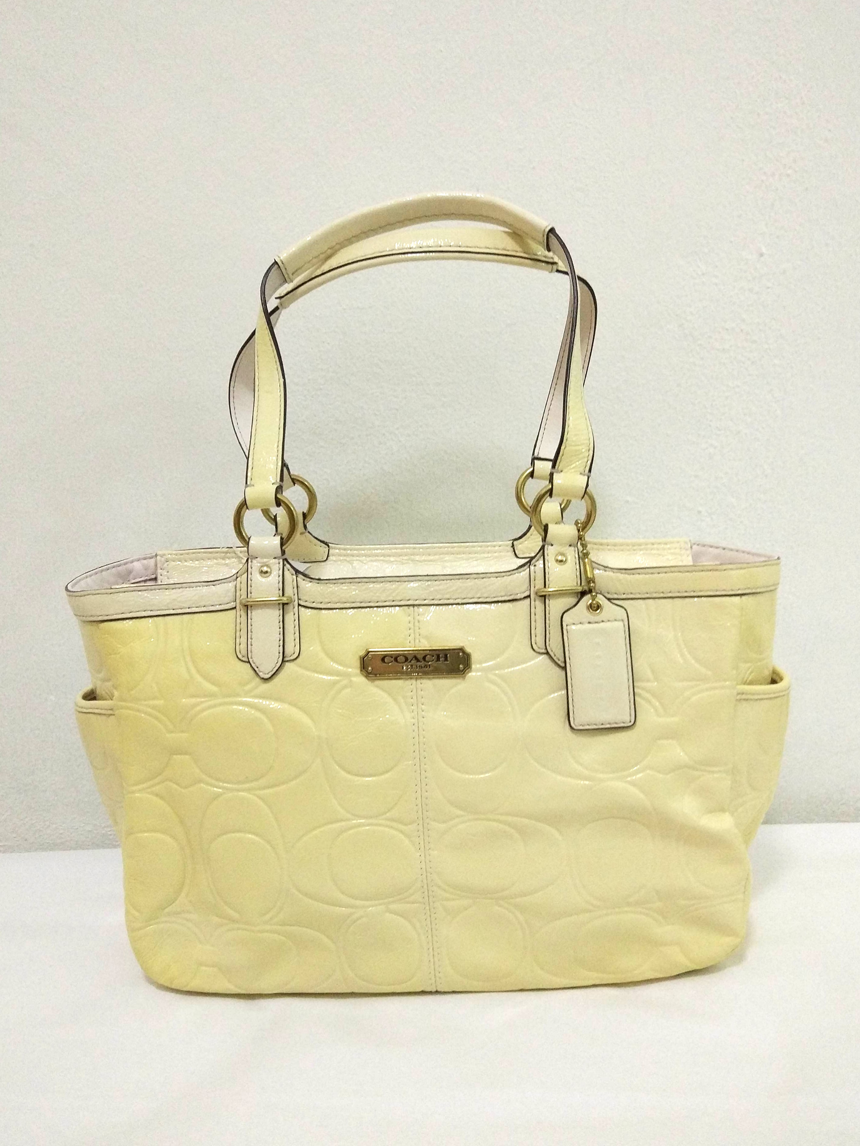 5e4ce5560fba8 ... germany bnwt coach handbag authentic coach tote bag coach embossed  patent bbb7c 09ac6