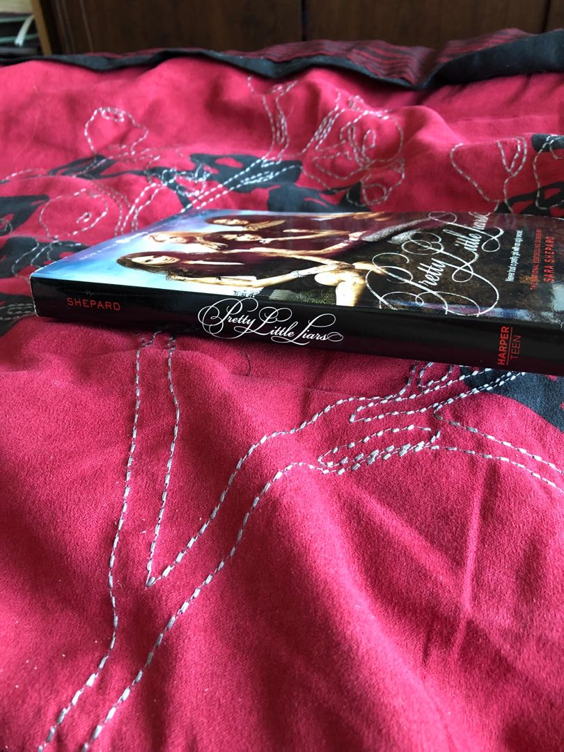 Books from PRETTY LITTLE LIARS series