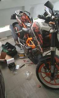 """Bike Been Rescue (KTM Duke 390)          Location: Woodlands Circle (Carpark)             Time: 5.19pm (Afternoon)            Date: 11 May 18         Cause: Battery Dead (Replace New Battery)           """"Kureiji Response Team""""      Emergency Service"""