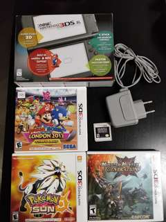 Preloved New Nintendo 3DSXL with games and stuff