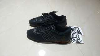 Helly Hansen Leather Sneaker Shoes Second Sepatu Branded Import