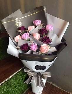 渐变12朵玫瑰🌹花束