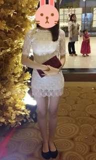 Dress sabrina putih