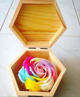 Limited Stocks only! Eternal Rose(Preserved) in a box