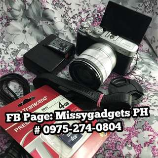 Fujifilm X-A2 mirrorless with 16-50mm kit and accessories (2ndhand)