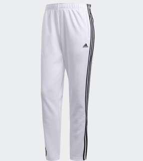 🚚 Adidas CW2293 運動長褲 排扣