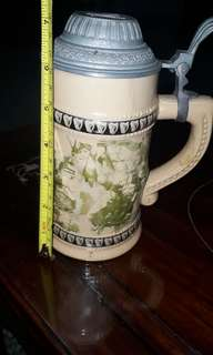 vintage guiness mug collectable display be noted all mug may look similar but this mug (10 million glass)
