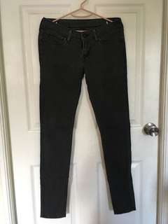 Levis pants not zara. Uni qlo. F21.