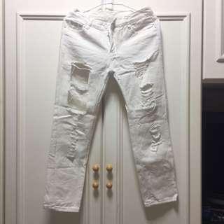 🚚 白色牛仔破洞褲