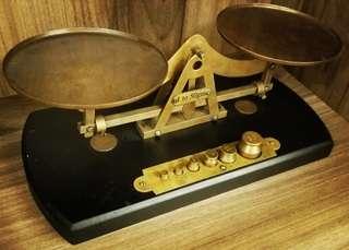 歐洲古董天秤