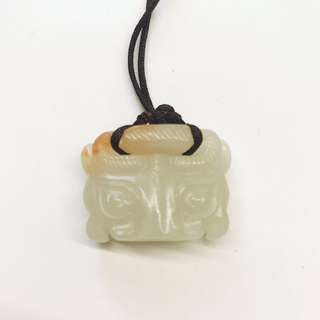 清代饕餮玉獸面 3.4 Cm X2.2cm antique Ancient jade 古玉 玉器