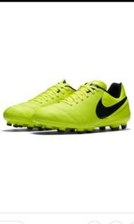 Authentic Nike junior Tiempo legend VI Football Boots