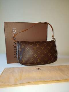 AUTHENTIC preloved Lv Pochettee