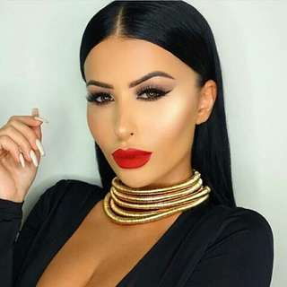 BRAND NEW GOLD CHOKER *look alike Kim K*