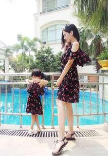 🚚 親子裝母女裝雪紡挖肩氣質洋裝