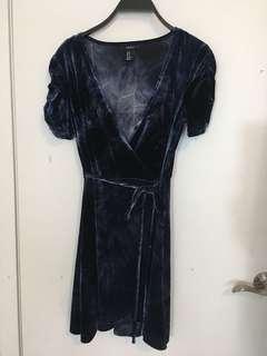 Forever 21 blue velvet dress M