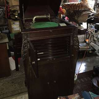 Good Working Condition Cabinet Gramophone