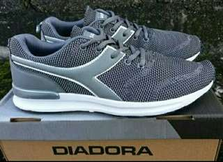 Sepatu Running Diadora Fortino Original