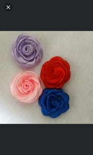 Small rose brooch/hair clip
