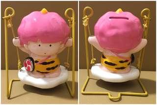 Sanrio Goropikadon 雷公 人形陶瓷盪鞦韆儲金箱 (** 頭部粉紅色有少少甩油 **) 4.5 吋高 (** 只限北角地鐵站交收 **)