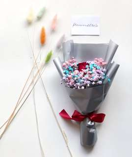 Fresh flowers single rose and mixed coloured Baby Breath Bouquet hand bouquet mother's day